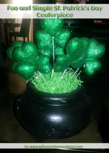 Fun and Simple St. PAtrick's Day Centerpiece www.wifemomhouseohmy.com