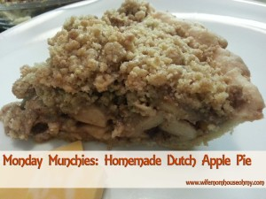Monday Munchies: Homemade Dutch Apple Pie www.wifemomhouseohmy.com