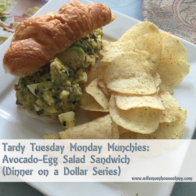 Tardy Tuesday Monday Munchies: Avocado-Egg Salad Sandwich (Dinner on a Dollar Series) www.wifemomhouseohmy.com