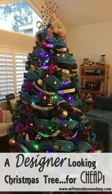 A Designer Looking Christmas Tree...for CHEAP! www.wifemomhouseohmy.com